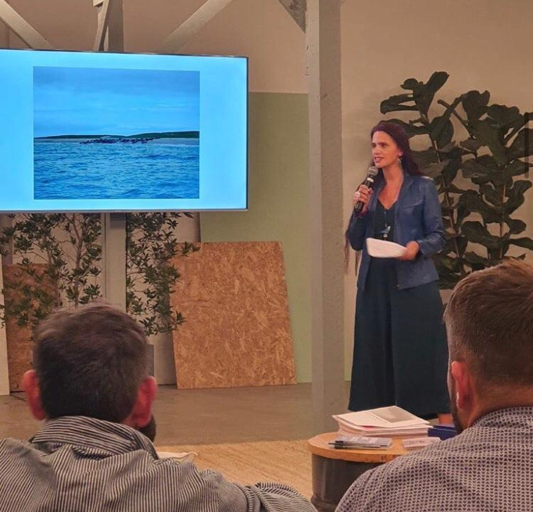 20/02/2020 - Janet Bellotto gave a talk at UAE Modern, Dubai