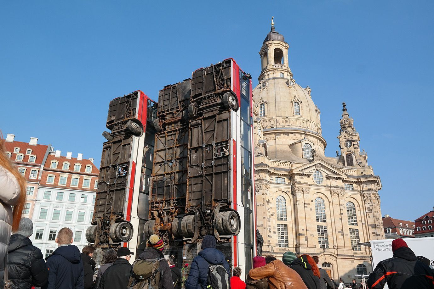 Public art installation commissioned by Kunsthaus Dresden for the Art festival At the River